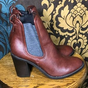 STRETCH PANEL BOOTIES